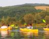 """Nasi rodzice na spływie kajakami po Bieszczadach na rzece San. Przetestowaliśmy naszych najbliższych przed oficjalnym daniem do sprzedaży wycieczki jednodniowej """"WODAMI rzeki San!""""."""