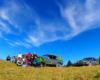 Kolejni weseli turyści na szczycie góry na pograniczu Bieszczad i Beskidu Niskiego, którzy z atrakcji Podkarpacia wybrali naszą wyprawę samochodami terenowymi 4x4 UAZ.