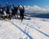 Wycieczki samochodami UAZ organizujemy przez cały rok. Tu turyści zamówili wycieczkę zimą, a widoki są o tej porze roku znacznie bardziej rozległe. Można więcej zwiedzić i zobaczyć, a wszystko z opowieściami przewodnika.