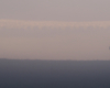 Tego jelenia w trakcie rykowiska sfotografowaliśmy 500 metrów od głównej siedziby Biura Podróży Bieszczader w Mokrem. Niestety ostatniej jesieni tak blisko zdjęcia nie mogliśmy zrobić, gdyż myśliwy wybudował sobie w niedaleko położonym lesie ambonę i przez tę łąkę przejeżdża samochodem...