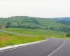 Droga nad Borynią prowadząca z Sianek w stronę Sambora, którą podróżujemy na wycieczce jednodniowej Kolej Zakarpacka.