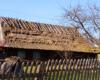 Ostatni dom ze strzechą na dachu w miejscowości Husne Wyżne, skąd wychodzimy na wędrówkę na Pikuja, na wycieczce jednodniowej z najlepszym biurem podróży Bieszczader ;-)