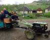 Wesoła ekipa wyruszająca z Biłasowicy na czyszczenie szlaku prowadzącego na Pikuja. Szlak był tak zarośnięty, że wiosną trudno się było przecisnąć pomiędzy młodymi drzewkami. Pracowaliśmy nad udrożnieniem szlaku 8 godzin i wszystko ze środków Biura Podróży Bieszczader...