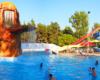 Będąc w Sosto Furdo / Sóstófürdő z jedynym organizatorem wycieczki jednodniowej Węgry Tokaj turyści mają 2 atrakcje do wyboru: skorzystać z basenów termalnych lub zwiedzić największe ZOO na Węgrzech.