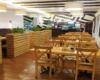 Wnętrze restauracji, gdzie zatrzymujemy się na zasłużony obiad po wędrówkę górskiej na Pikuj podczas wycieczki jednodniowej. Zawsze wcześniej rezerwujemy miejsca dla naszych turystów w restauracji.