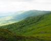 Wędrując po górach Ukrainy nie ma barierek wyznaczających gdzie można iść oraz siatek chroniących rośliny od zadeptania. W Bieszczadach ukraińskich człowiek czuje się wolnym...