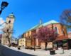 Kościół pw. Św. Wojciecha i Św. Stanisława w Rzeszowie na początku Paniagi - ulicy 3 maja, którą turyści spacerują z przewodnikiem na wycieczce jednodniowej Kolej Na Łańcut.