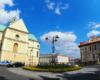 Rondo pomiędzy Bazylika Wniebowzięcia NMP oo. Bernardynów, a Teatrem im. Wandy Siemaszkowej w centrum Rzeszowa - stolicy Województwa Podkarpackiego.