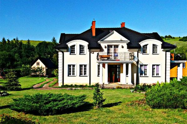 ŚREDNIA WIEŚ - noclegi w Willa Kamieniec oraz w drewnianych domkach