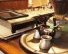 Kawa w restauracji gruzińskiej w centrum Lwowa jest przygotowywana od kilkudziesięciu lat w tradycyjny sposób. Opowiadamy o tym na wycieczce jednodniowej z Bieszczad na Ukrainę do Lwowa.