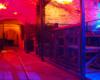 W podziemiach restauracji Kopalnia Kawy w centrum Lwowa. Restaurację zwiedzamy ubrani w kaski z latarkami na głowach... Takie atrakcje na wycieczce jednodniowej po Lwowie.