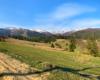 Widok na pasmo Borżawa od miejscowości Podubowiec oraz drogę polną, którą skracam sobie dojazd do Filipca ;-)