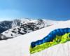 Jednak na szczycie Borżawy zostało troszkę śniegu - zaczynamy jazdę na nartach i z pomocą skrzydła 12 metrów! :-)