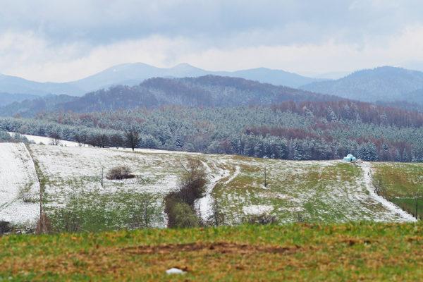 Kilku godzinny powrót zimy we wtorek po Wielkanocy na pograniczu Bieszczad i Beskidu Niskiego.