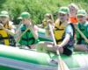 Zielony czy pomarańczowy ponton - nie ważny kolor pontonu, ale niepowtarzalna atrakcja jaką proponuje organizator spływów www.BieszczadyAktywnie.pl z Zagórza