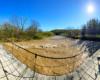 Zdjęcie panoramiczne kładki linowej w Wysoczanach i wezbranych wód rzeki Osława. Sesji fotograficznej towarzyszyły szczekające pieski ;-)