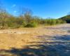 Rzeka Osława po opadach deszczu robi się brązowa i dodaje uroku pograniczu między Bieszczadami, a Beskidem Niskim. To jeden z najpiękniejszych zakątków Województwa Podkarpackiego idealny na wycieczki jednodniowe.
