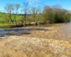 Rzeka Osława źródła ma na zboczach góry Matragona, a kończy swój bieg w Zagórzu wpadając do rzeki San. Niestety na spływy pontonami i kajakami nadaje się tylko po opadach deszczu...