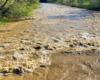 Osoby lubiące górskie spływy kajakami czy pontonami tylko czekają na takie ekstremalne warunki. Rzeka Osława ma w wielu miejscach progi skalne dodające adrenaliny oraz wspaniałe widoki na Bieszczady i Beskid Niski.