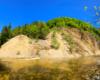 Największe w Karpatach odsłonięcie łupków menilitowych dochodzącego do 30 metrów wysokości w Zawadce Rymanowskiej - to jedna z najpiękniejszych atrakcji Beskidu Niskiego.