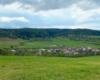 Widok na miejscowość Mokre, która jest położona zarówno w Bieszczadach, jak i w Beskidzie Niskim.