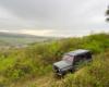 Samochód terenowy UAZ z widokiem na Morochownicą i nie istniejącą wieś Zawadkę Morochowską, czyli wycieczka na pograniczu Bieszczad i Beskidu Niskiego.