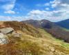 Przepiękny widok z Bukowego Berda w stronę Tarnicy, Krzemienia, Kopy Bukowskiej, a na północnych zboczach resztki śniegu po zimie...