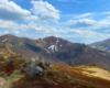 Resztki śniegu na północnych zboczach Szerokiego Wierchu, Tarnicy, Krzemienia, a podziwiane podczas wycieczki jednodniowej z Mucznego na Bukowe Berdo.