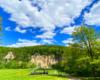Zakończenie wakacji w Zawadce Rymanowskiej odbywa się obok skały Olza, czyli przy największej w Karpatach odkrywce fliszu karpackiego - łupków menilitowych. To też jedna z najpiękniejszych atrakcji Beskidu Niskiego położonego w Województwie Podkarpackim.