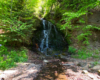 Jan Paweł II po raz pierwszy odkrył ten wodospad w 1952 roku podczas wycieczki pieszej z młodzieżą po szlaku czerwonym biegnącym od Beskidu Śląskiego aż po Bieszczady (od Ustronia, aż do Wołosatego) i przyjeżdżał tu często - ostatni raz w 1978 roku. To niepowtarzalna atrakcja w Beskidzie Niskim...
