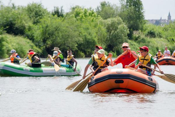 Bieszczady Aktywnie - spływ pontonami po rzece San w Bieszczadach