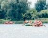 Spływ pontonami można zamówić dla grupy firmowej, szkolnej, czy po prostu dla rodziny. To fantastyczna zabawa i niepowtarzalna atrakcja w Bieszczadach. Najlepszym organizatorem spływów pontonami jest www.BieszczadyAktywnie.pl