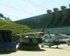 U podnóża zapory wodnej w Solinie zostały umieszczone turbiny, które pracowały wewnątrz zapory od 1968 roku - widać je spacerując z przewodnikiem po koronie zapory wodnej w Solinie podczas wycieczki Bieszczady w pigułce - tu też był kręcony film Wataha...