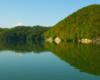 Zapora wodna w Solinie i otaczające Zalew Soliński góry - takiego widoku i dobrej pogody życzymy Wam na każdej wycieczce jednodniowej Bieszczady w pigułce - tu też były ujęcia na filmie Wataha...