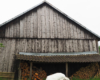 Na tych starych stodołach artysta Arkadiusz Andrejkow zamierza stworzyć nowe prace zwane muralami czy też deskalami przy drodze prowadzącej do szybowiska w Bezmiechowej i utrwalając historie zwykłych mieszkańców Bieszczad... To będzie kolejna atrakcja i pomysł na wycieczki po Bieszczadach.