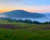 Mgły unoszące się nad Zalewem Myczkowieckim po zachodzie słońca - zrobiło się magicznie w Bieszczadach...