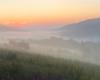 Opadły mgły i miasto ze snu się budzi... - chciałoby się zaśpiewać razem ze Starym Dobrym Małżeństwem...