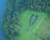 Największe serce w Bieszczadach podziwiane podczas lotu paralotnią, a zlokalizowane na granicy Soliny, Bóbrki i Myczkowiec. Najlepiej jest widoczne podczas przejazdu drogą z Myczkowiec do Bóbrki.