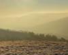 Wschód słońca nad Bieszczadami podziwiany z Beskidu Niskiego - Snow Gliding na górze Rzepedka i pomysł na wycieczki jednodniowe po Bieszczadach...