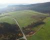 Pastwiska dla koni Ośrodka Jeździeckiego Tarpan położonego w Wysoczanach.