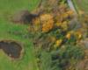 Uroki jesieni podziwiane podczas lotu paralotnią na pograniczu Bieszczadów i Beskidu Niskiego.
