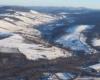 Turzańsk widziany z lotu paralotnią nad Bieszczadami od strony Rzepedzi - widok aż po Łopiennik i Połoninę Wetlińską.