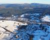 Komańcza i otaczające ją góry - na dole Beskid Niski, a za rzeką Osławica to już Bieszczady!