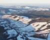 Turzańsk i otaczające miejscowość góry, lasy i łąki, a podziwiane podczas lotu paralotnią nad Bieszczadami.