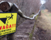 Tabliczki ostrzegawcze w niebezpiecznych miejscach...