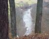 Widok na rzekę Osława z punktu widokowego - w tym miejscu zatrzymujemy się na kuligu po Bieszczadach - jest to dodatkowa atrakcja podczas wycieczki jednodniowej po Bieszczadach.