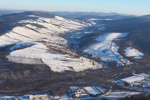 TURZAŃSK miejscowość na granicy Bieszczad i Beskidu Niskiego, na granicy Łemkowszczyzny i Bojkowszczyzny, a zdjęcia wykonane z lotu paralotnią.
