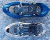 Porównanie dwóch modeli rakiet śnieżnych w największej w Bieszczadach wypożyczalni rakiet śnieżnych w Biurze Podróży Bieszczader.