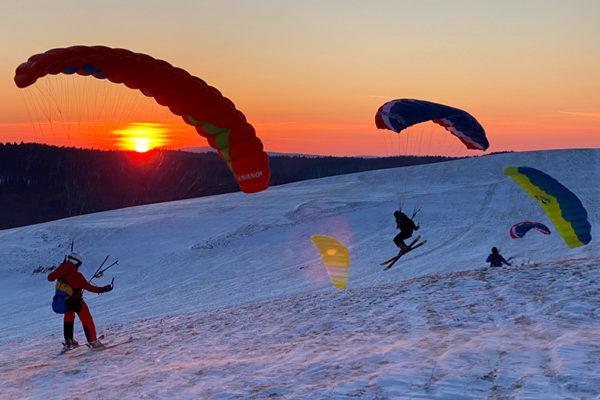 SnowGliding o zachodzie słońca na pograniczu Bieszczad i Beskidu Niskiego, 7 marzec 2021