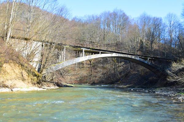 DUSZATYN most bieszczadzkiej ciuchci, kaskada na rzece Osława i wspomnienie Jeziorek Duszatyńskich